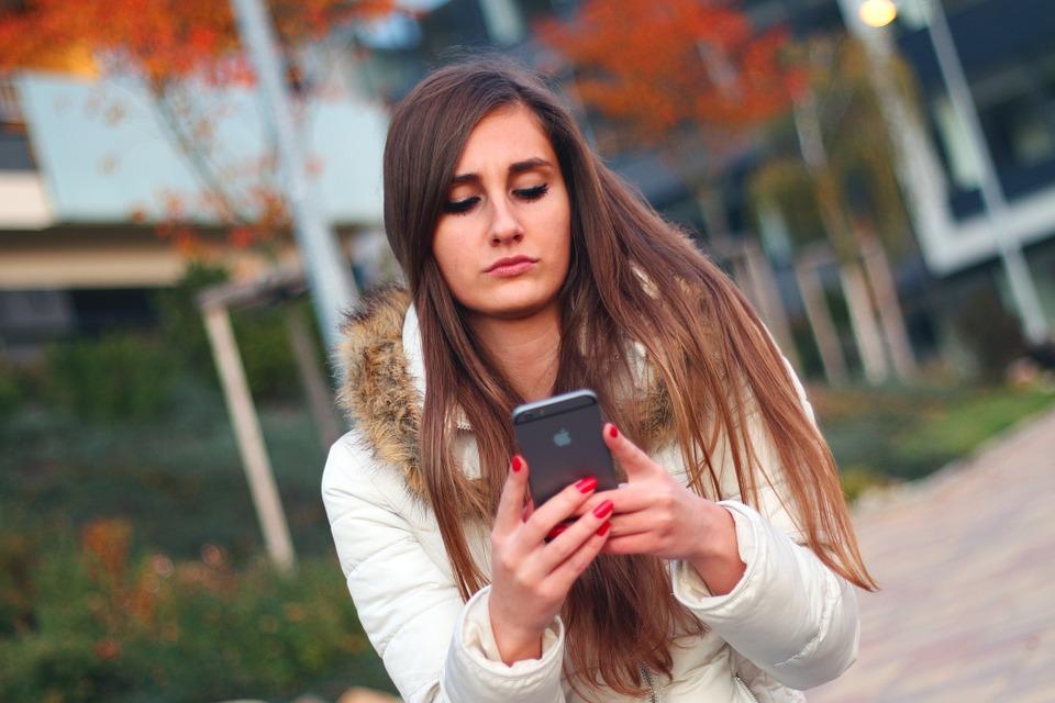 smartphone-569076_960_720.jpg
